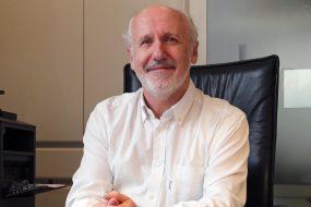 Dr. Chris Uyttersprot